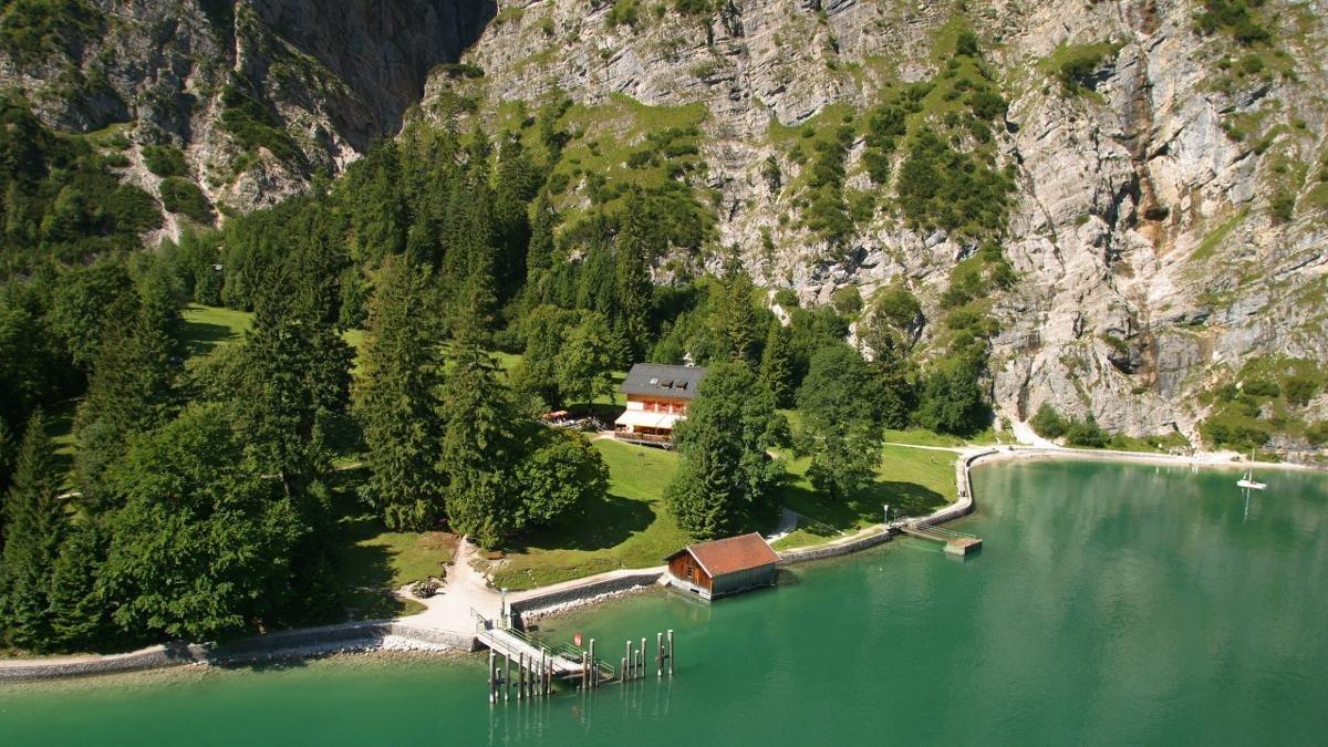 Partendo da Pertisau, lungo il lago fino al alpeggio Gaisalm e in ritorno con la navetta a Pertisau – così lo fanno le famiglie del posto., © Achensee Tourismus