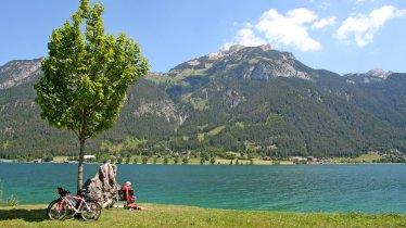 Giro in bici intorno al lago Achensee, © TVB Achensee