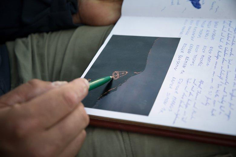 Nel libro del rifugio sul Gartjoch sono immortalate le imagini di fuoco degli anni passati.