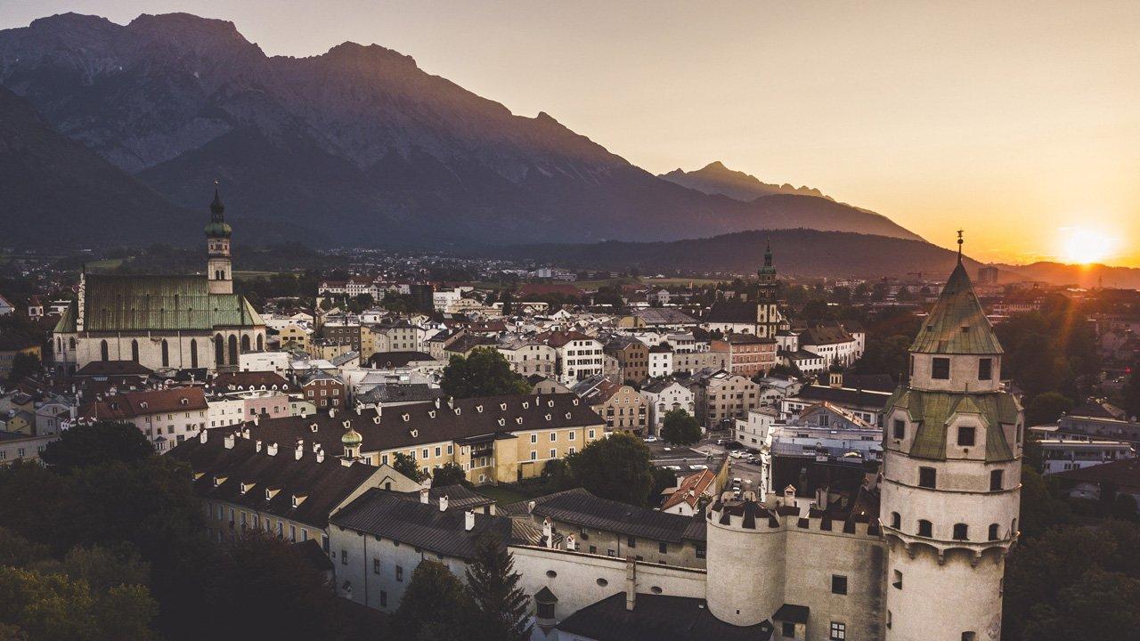 Il centro storico di Hall in Tirol, © TVB Hall/Wattens