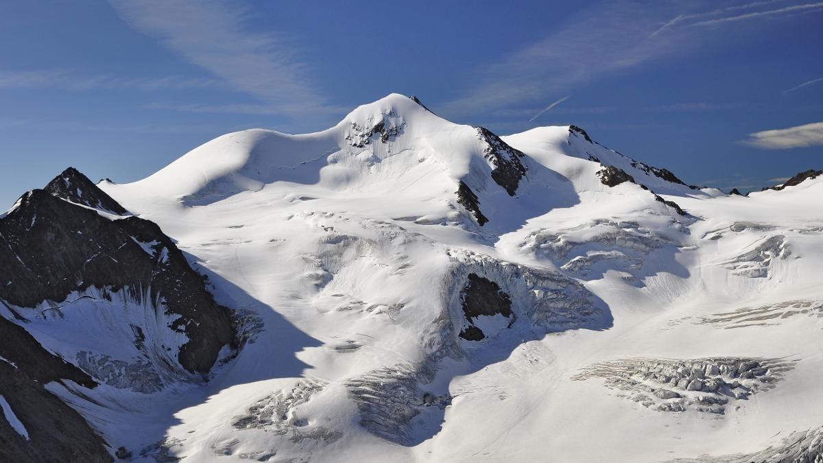 Montagne alte si trovano tantissime nelle Alpi; attorno il comune di St. Leonhard è collocato il monte Hohe Wildspitze. Con un'altezza di 3.768 metri d'altitudine, viene considerato il monte più alto del Tirolo del Nord e dopo il Großglockner, quello più alto dell' Austria., © Jörg Lutz