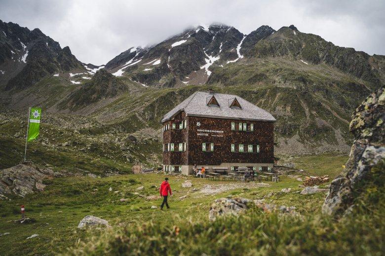 Nel rifugio Hochschoberhütte vengono serviti solo prodotti regionali. , © TVB Osttirol, Thomas Herdieckerhoff
