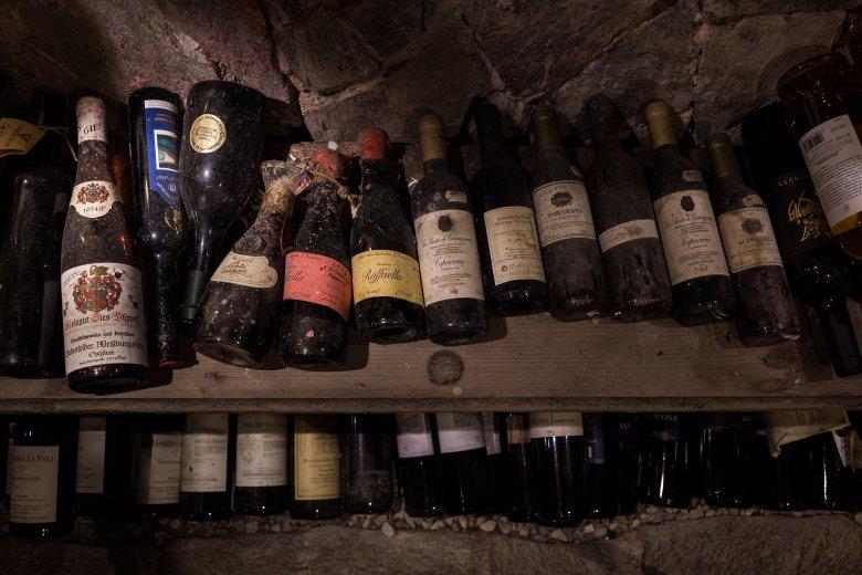 6.000 le bottiglie di vino provenienti da tutto il mondo che potete trovare nella cantina di Annemarie Foidl.