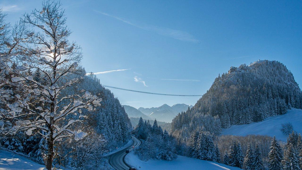 Il ponte sospeso highline179 durante l'inverno, © Naturparkregion Reutte