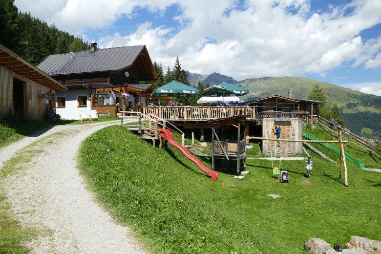 Sosta al rifugio Lienzer Hütte. , © Azzura Forti
