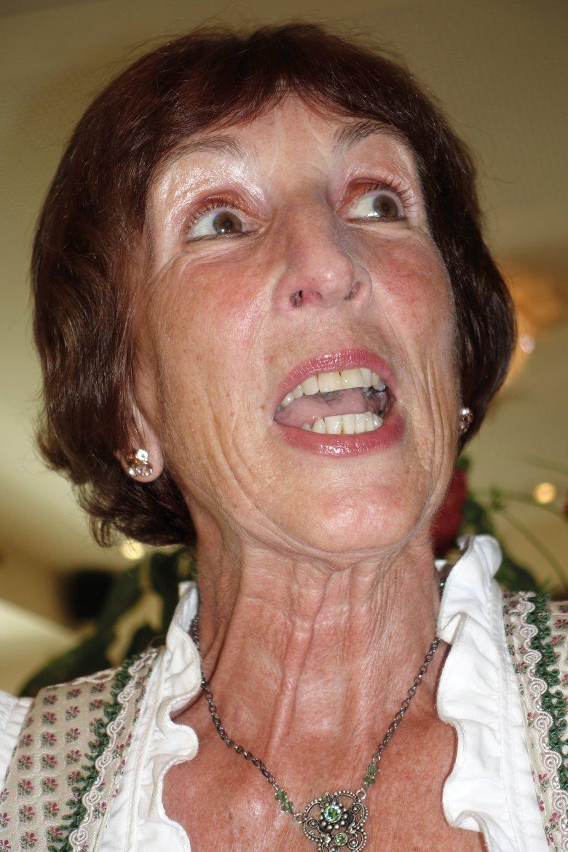 Martha Schwaizer si è avvicinata allo jodel da autodidatta. A 13 anni si sedeva davanti alla radio, ripetendo i canti jodel che sentiva. Nel frattempo la settantenne tirolese ha calcato le scene con suo marito per 55 anni.
