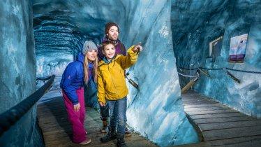 Grotta di ghiaccio al Ghiacciaio dello Stubai, © Stubaier Gletscher / Andre Schönherr