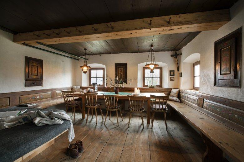 La stube del Mesnerhof, ideale anche per progetti di Co-Working e per Workshop di lavoro (Foto: Mesnerhof/Harald Eisenberger)