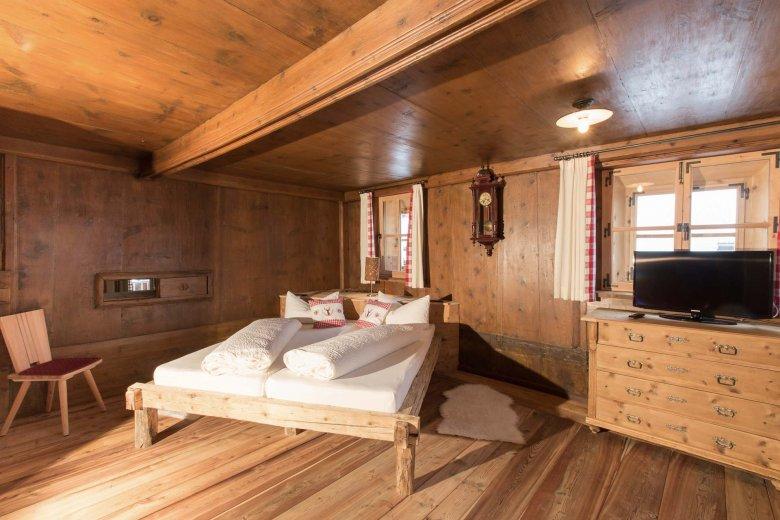 Quasi come allora, ma con l'aggiunta di tutti i comfort per una vacanza al top nelle stanza dell'Alpenjuwel.