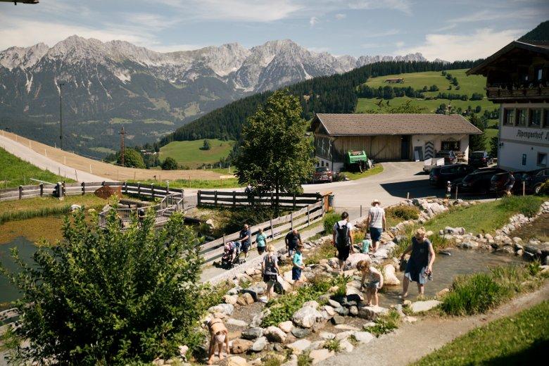 """Il mondo delle avventure alpine """"Hexenwasser"""" sopra Söll."""