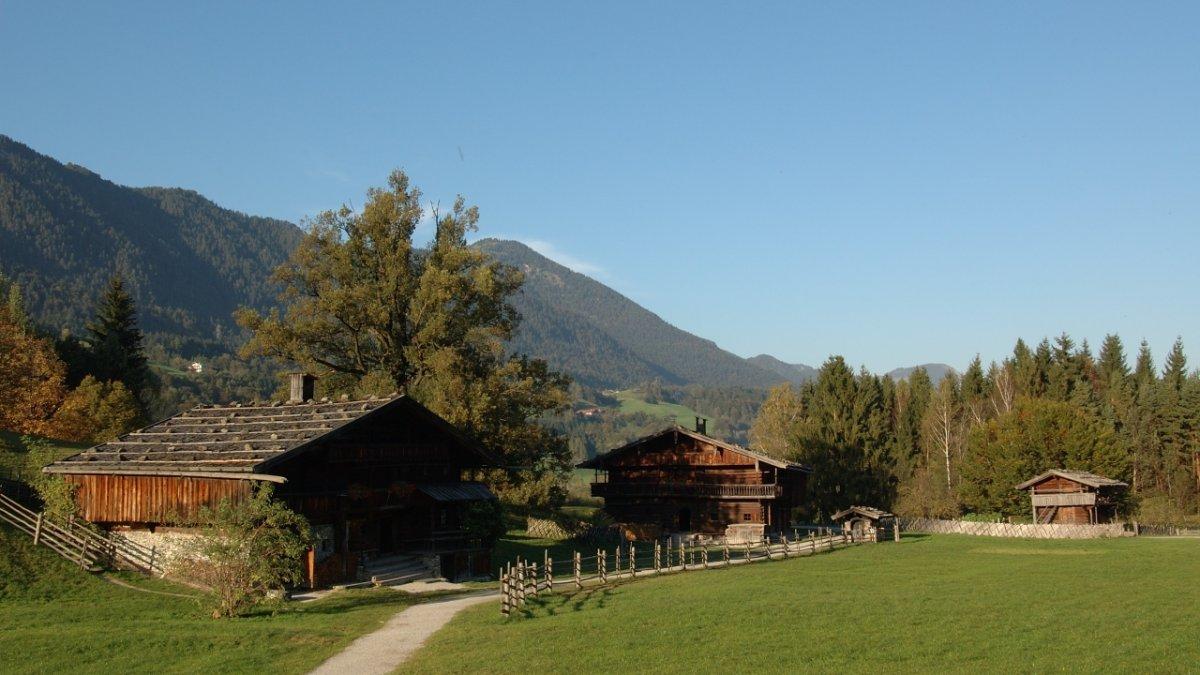 Il museo delle fattorie in autunno, © Alpbachtal Tourismus