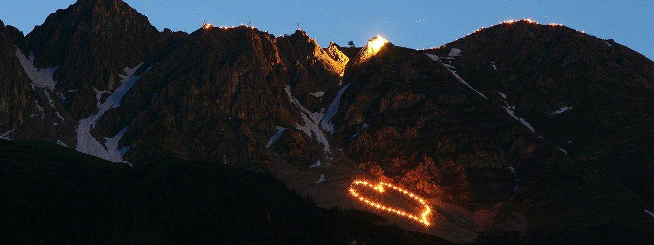 I fuochi di solstizio sulla Nordkette a Innsbruck, © Innsbrucker Nordkettenbahnen