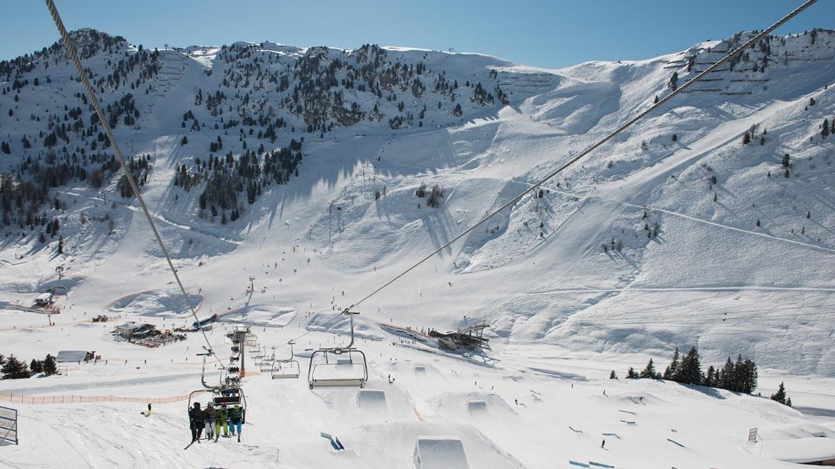 Libertà vuol dire misurare le proprie frontiere. Una dozzina d' Obstacles non sfida soltanto gli principianti dello ski e snowboard ma anche gli esperti., © Mayrhofner Bergbahnen