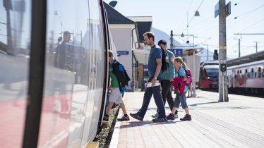 Arrivo in treno con la famiglia, © Tirol Werbung / Gerhard Berger
