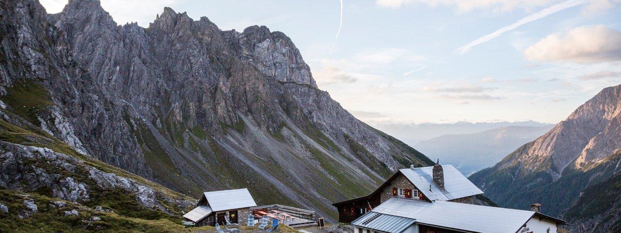 Sentiero dell'aquila, tappa 21: Rifugio Württemberger Haus – Rifugio Memminger Hütte, © Tirol Werbung/Dominik Gigler
