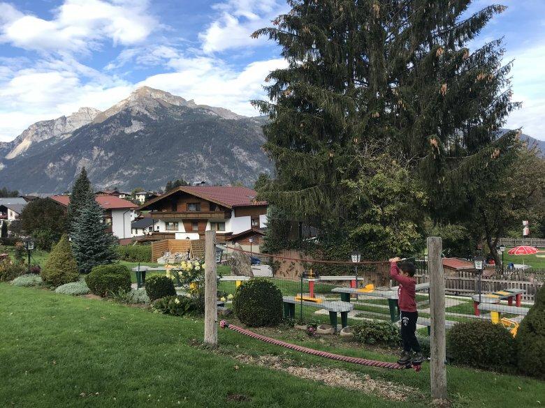 … il secondo parco giochi è situato vicino all'ingresso del villaggio con una pista per automobiline, scivoli, un trattore ed una barca, due minigolf e tanto altro ancora