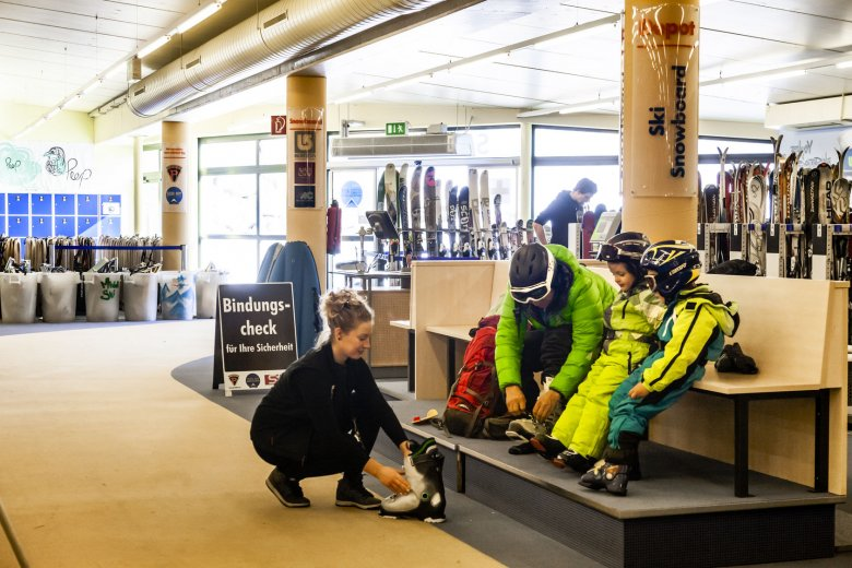 Take Off – Snow & Fun Center affitto sci a Serfaus