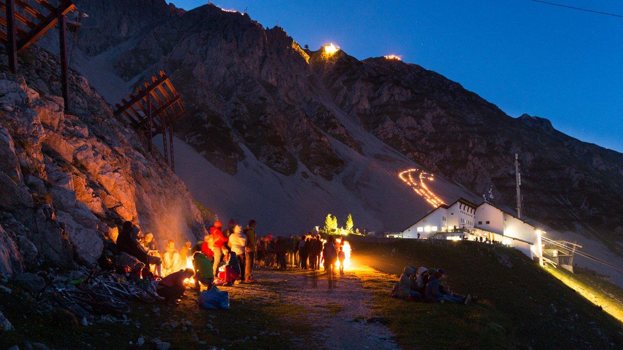 Fuochi del solstizio sulla Nordkette a Innsbruck, © Innsbrucker Nordkettenbahnen