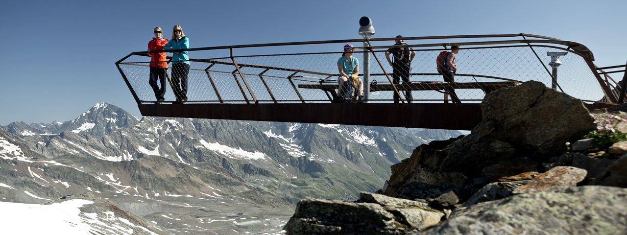 """La piattaforma in vetta """"Top of Tyrol"""" al ghiacciaio dello Stubai, © Stubaier Gletscher/eyes5-Mirja Geh"""