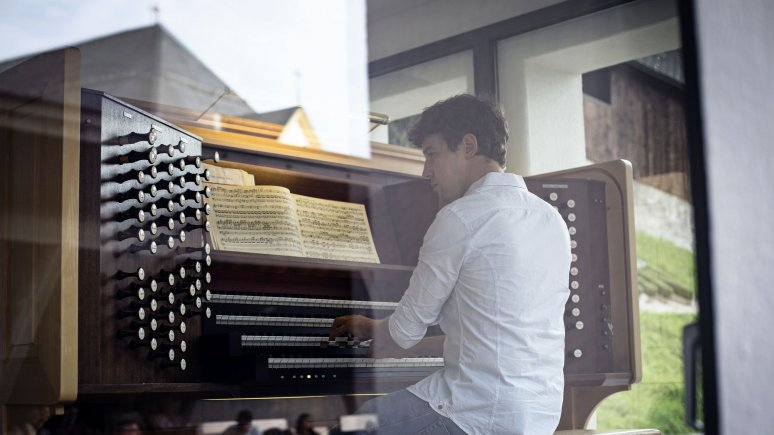 Johann Berger all'organo degli eroi, fortezza Kufstein, © Tirol Werbung/Lisa Hörterer