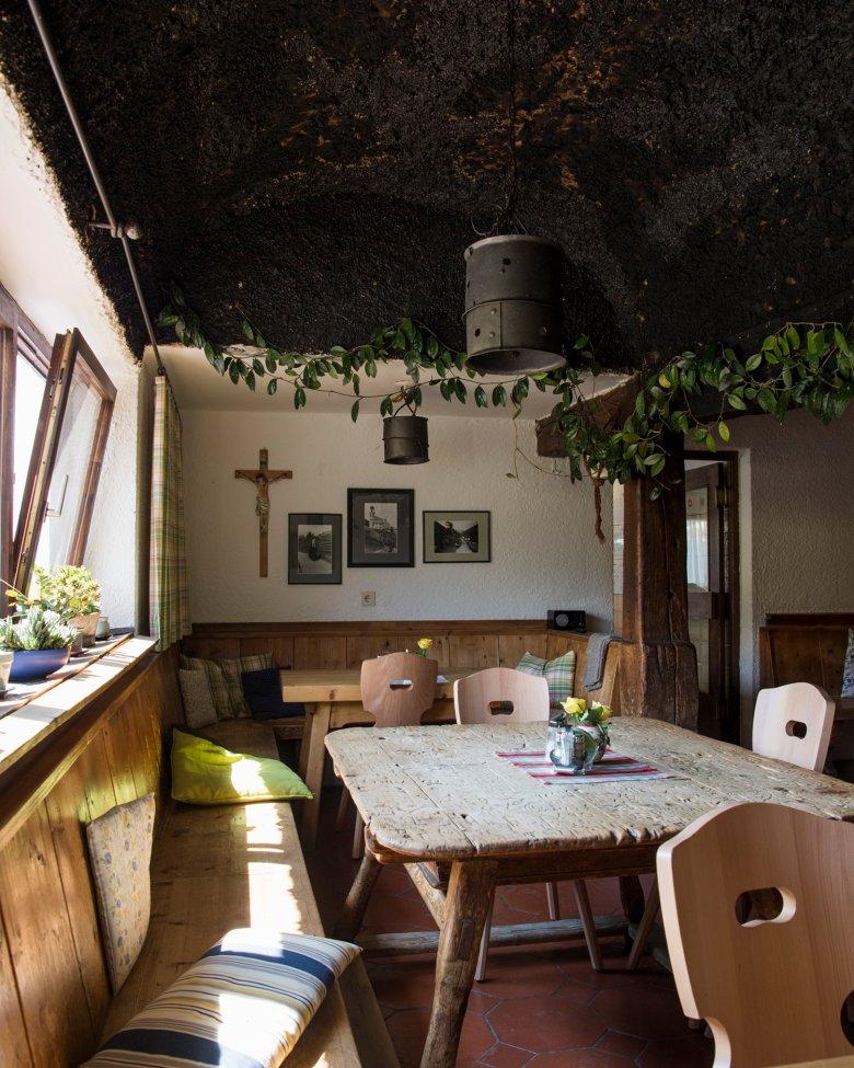 Particolarmente originale: il vecchio camino al soffitto.