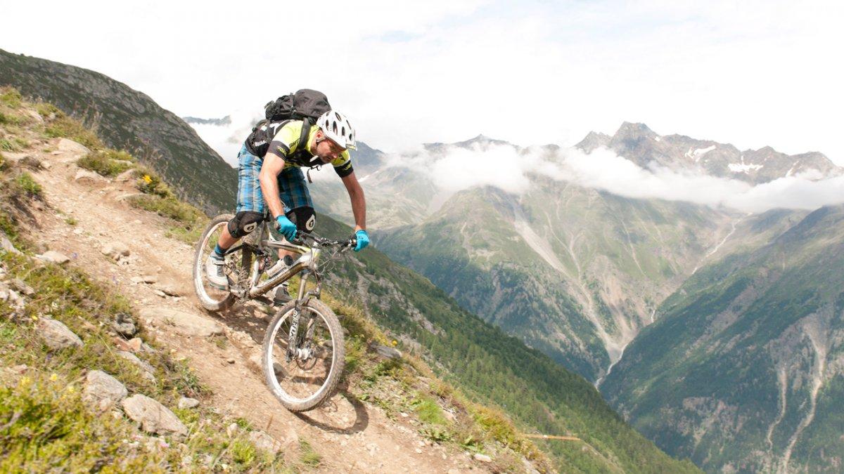 Mountainbike nella valle Ötztal, © Tirol-Werbung-Werlberger-Michael