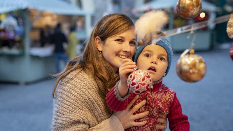 Lo stupore dei bambini al mercatino di Natale di Hall in Tirol., © Stadtmarketing Hall