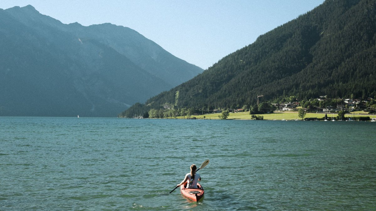 Andare in canoa sul lago di Achensee, © Tirol Werbung/Carlos Blanchard