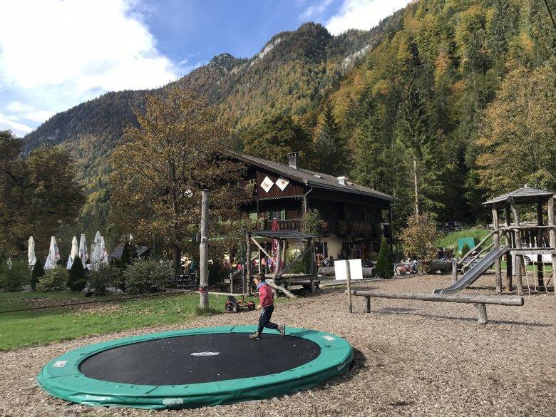 Il ristorante Kaiserhaus con un parco giochi…
