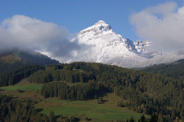 La vista sul bellissimo paesaggio alpino intorno a Matrei