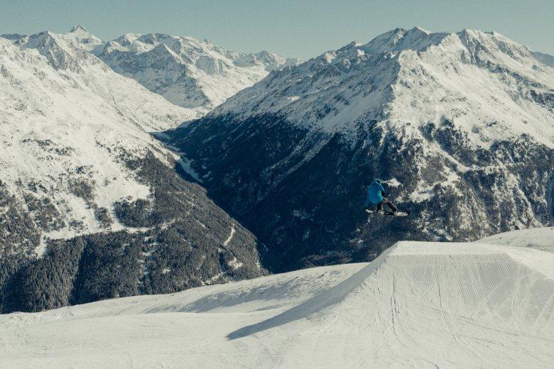 Lo Snow Park Sölden è LA meta per Snowboarder e Freestyler.