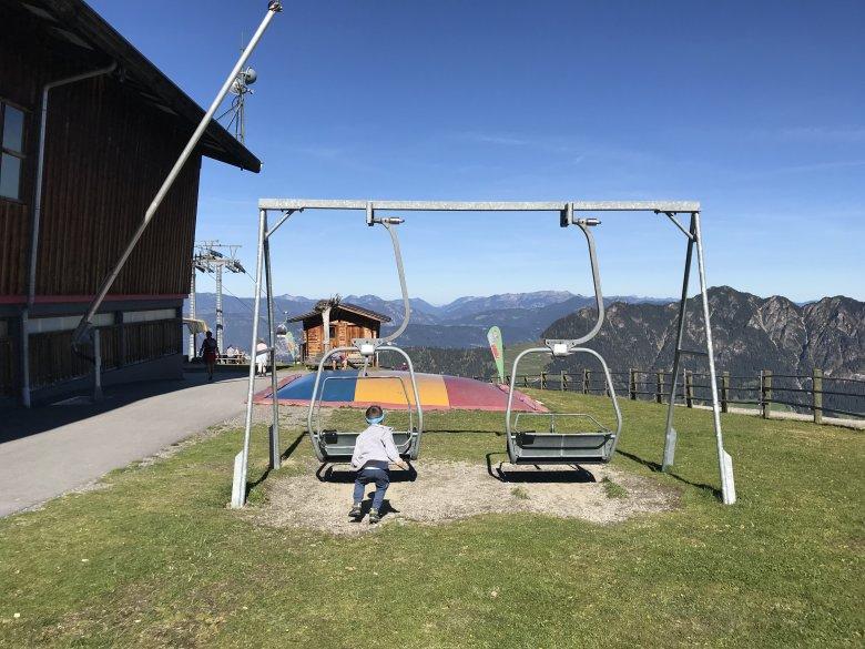 Lauserland è un incredibile, grande, unico parco giochi in quota e raggiungibile con impianti di risalita a dieci minuti da Reith.