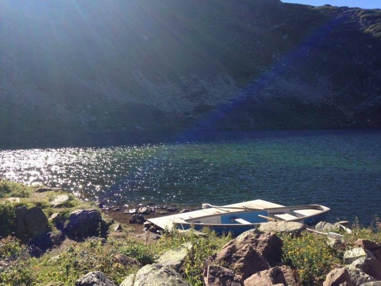 Giro in barca a remi al rifugio Wildseeloderhaus
