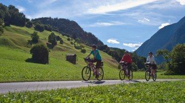Godetevi il bellissimo panorama lungo la pista ciclabile Kronburg, © TVB TirolWest/ Daniel Zangerl