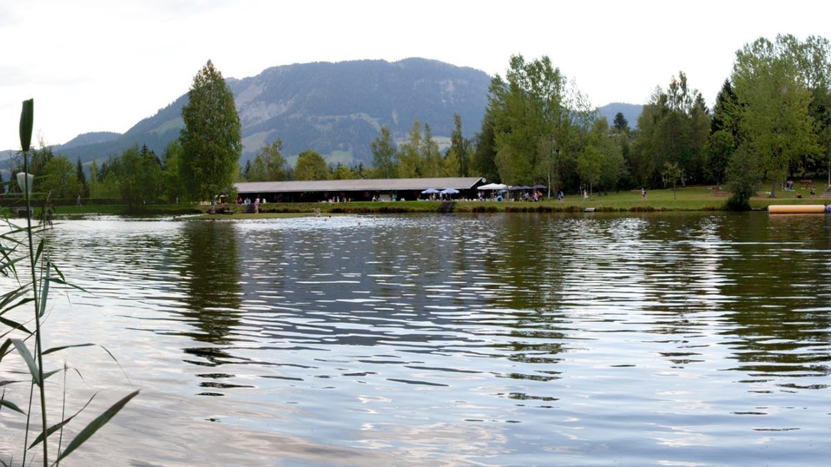 Al lago Lauchsee il divertimento è sicuro. Inoltre si dice, che l'acqua del palude guarisca dolori articolari o muscolari., © PillerseeTal