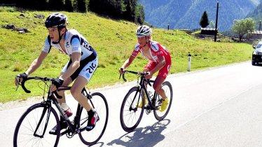 La gara ciclistica Bergkaiser attraversa la valle Sellrain e arriva alla sella Kühtaisattel., © RC Radsportevents Tirol