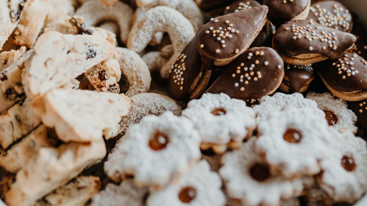 Biscotti Di Natale Zimtsterne.Ricette Per Biscotti Natalizi Mercatini Di Natale Vita E Cultura Attivita Tirolo Austriaco